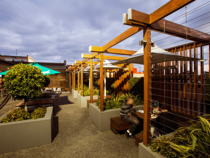 Enjoy the outdoor area at the Keysborough Hotel