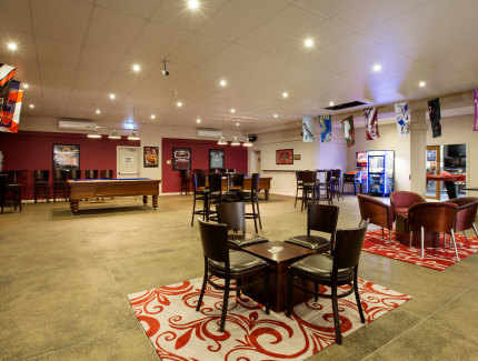 Book the Cobb Bar for your next social function at the Parkway Hotel