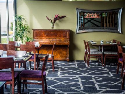Caloundra's finest food at the Golden Beach Tavern Restaurant