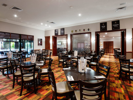 We can accommodate large bookings in the Jarrah Room