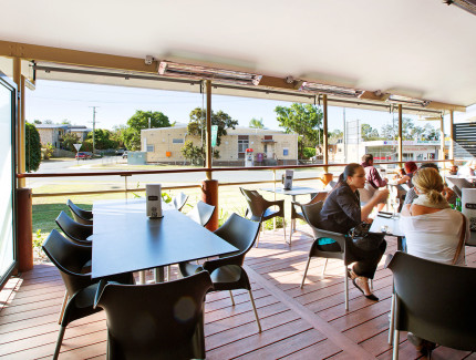 Dine undercover at The Petrie Hotel and enjoy the fresh air